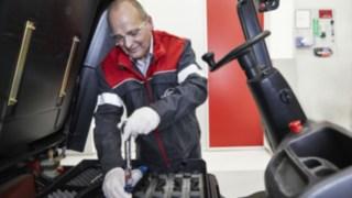 maintenance-repair_working_1080