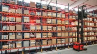 VNA-order_picking-retail-4270_122