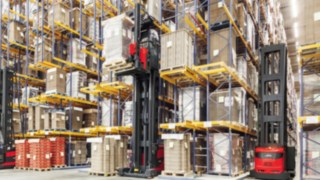 VNA-order_picking-retail-4270_249