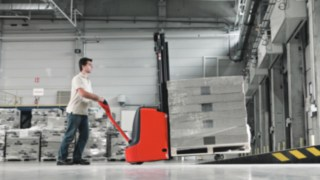 pallet_truck-moving-construction-3516_G