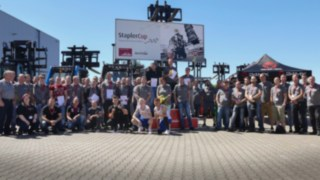 Gruppenbild der StaplerCup-Teilnehmer